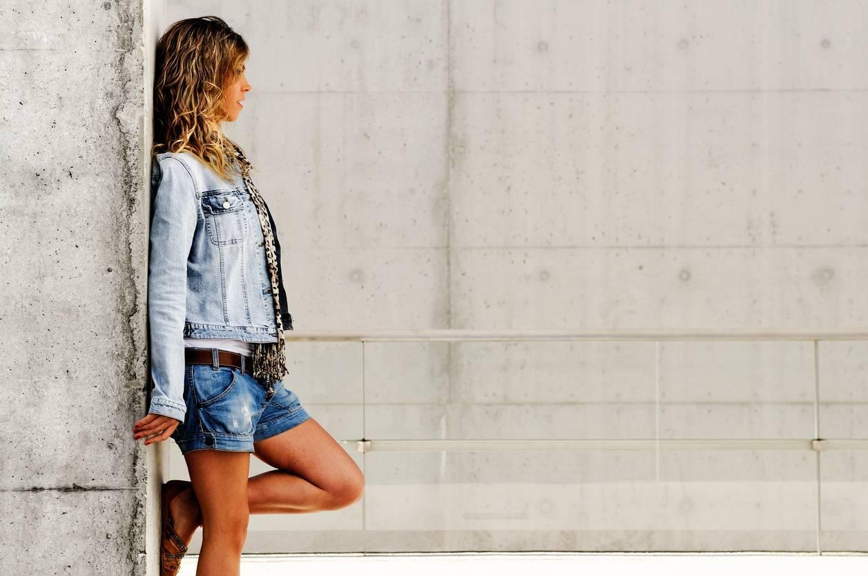 short en jean pour femmes tendance printemps/été 2021